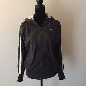 ❣️Nike❣️Lightweight hooded running jacket